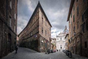 Visite de Sienne : rue via Sallustio Bandini, Siena