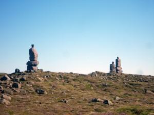 Sculptures statues en pierres à Reykjanesbaer, Islande
