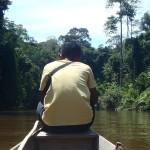 Pirogue dans le parc de Taman Negara en Malaisie