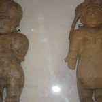 Statues inca à la Mitad del Mundo, Equateur - Trace Ta Route - Blog voyage