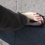 Un pied sur la ligne équatoriale à la Mitad del Mundo, Equateur - Trace Ta Route - Blog voyage