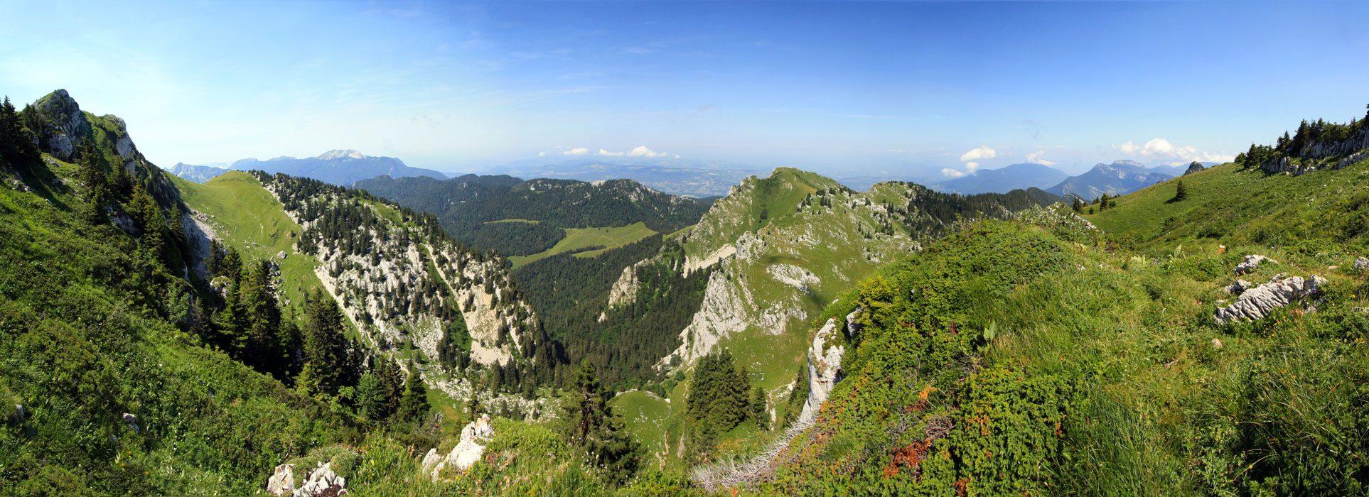 Sentier de randonnée au Grand Som, dans le Massif de la Chartreuse