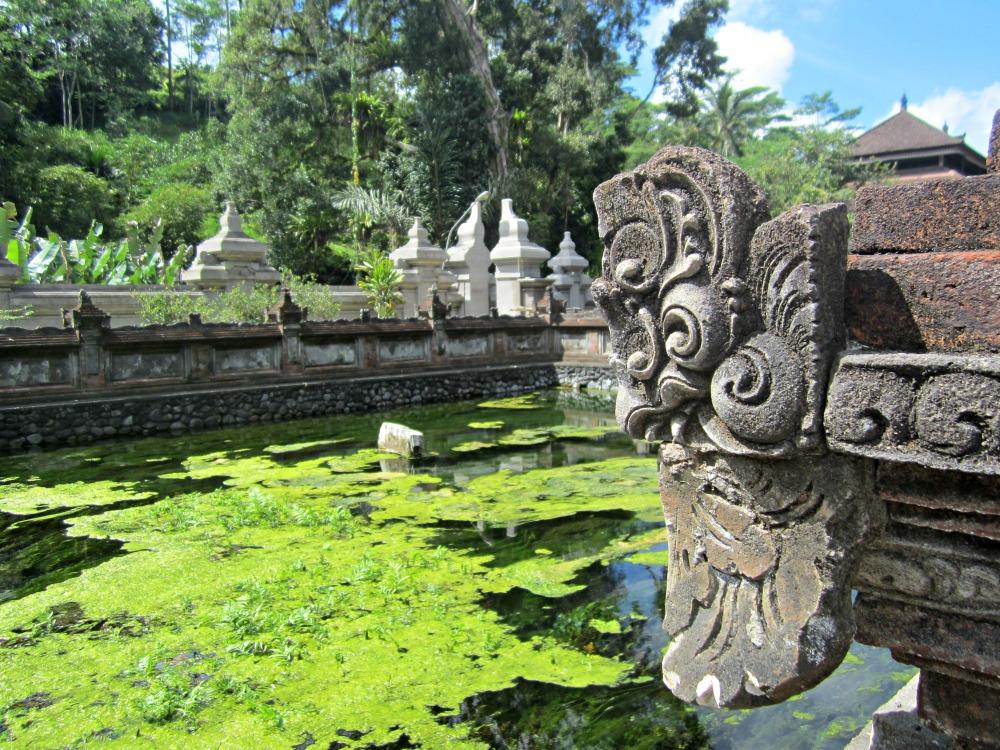 Bassin du Tirta Empul à Tampaksiring, Bali