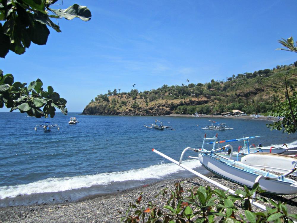 Plage de Jemeluk vers Amed, Bali