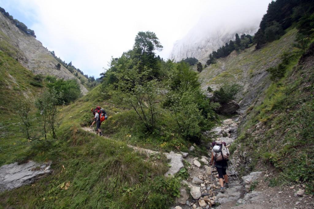 Mont Aiguille : marche d'approche.
