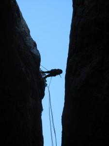 Mont Aiguille. 2e rappel, en fil d'araignée.