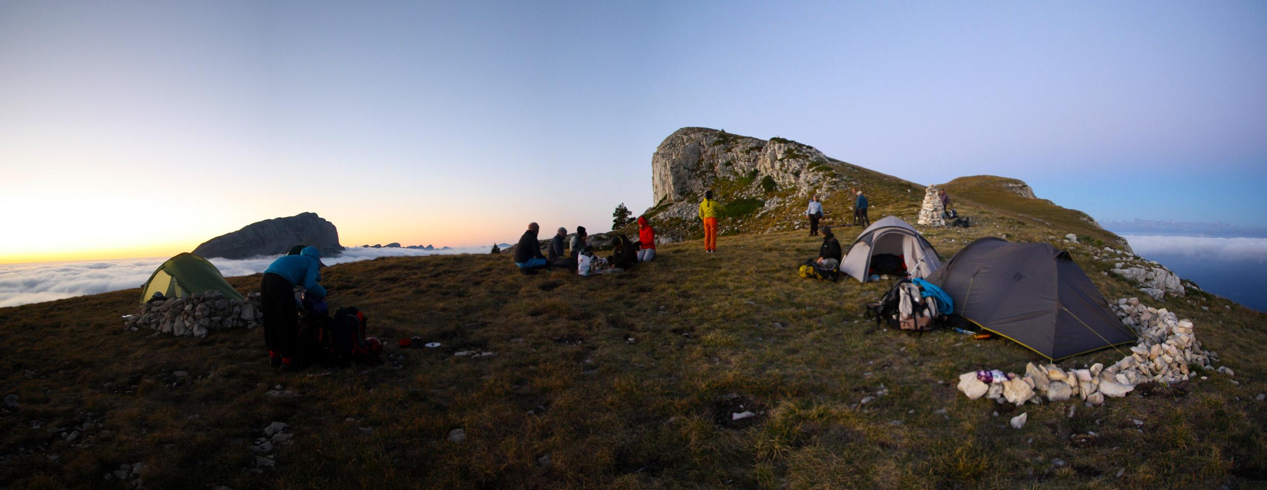 Bivouac au sommet du Mont Aiguille.