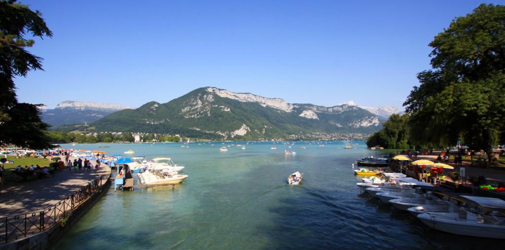 Lac d'Annecy et Mont Veyrier depuis le Pont des Amours