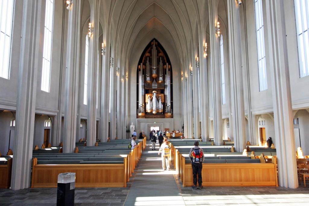 Intérieur de la cathédrale Hallgrimskirkja de Reykjavik (Islande)