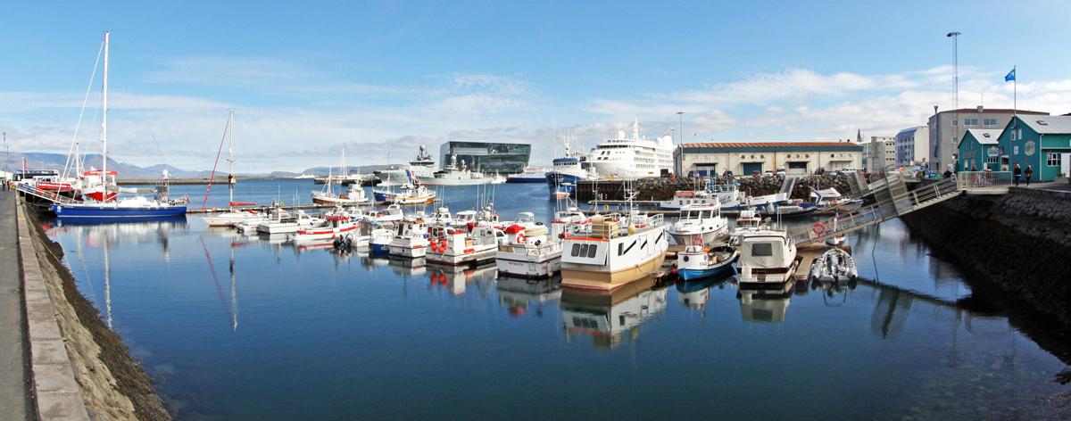 Bateaux dans le Port de Reykjavik, Islande