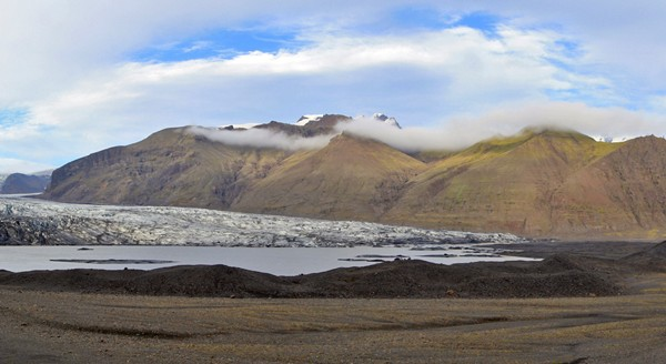 Glacier Skaftafellsjokull et sa moraine à Skaftafell, Islande
