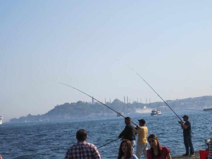 Pêcheurs sur le Bosphore, Istanbul Turquie