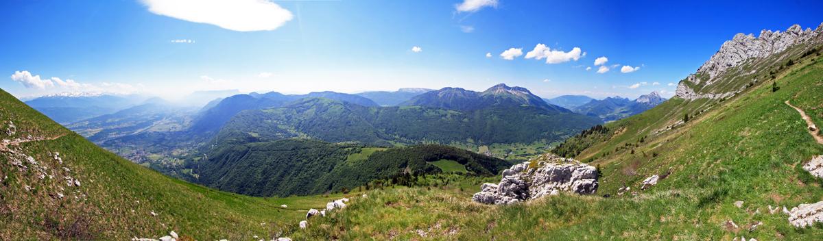 Dent d'Arclusaz (vue Ouest sur les Bauges)