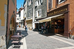 """""""Le Boulanger du Faubourg""""- Faubourg Sainte Claire et la Porte Sainte Claire (Vieille Ville d'Annecy)"""