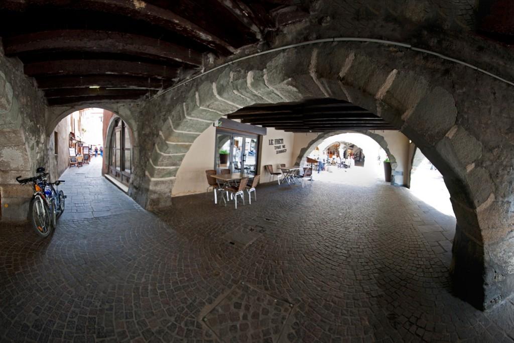 Restaurant Le Fréti, sous les arcades de la Veille Ville (Annecy)