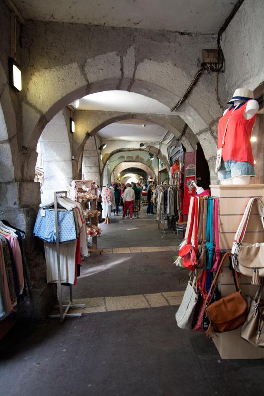 Les arcades de la Veille Ville d'Annecy