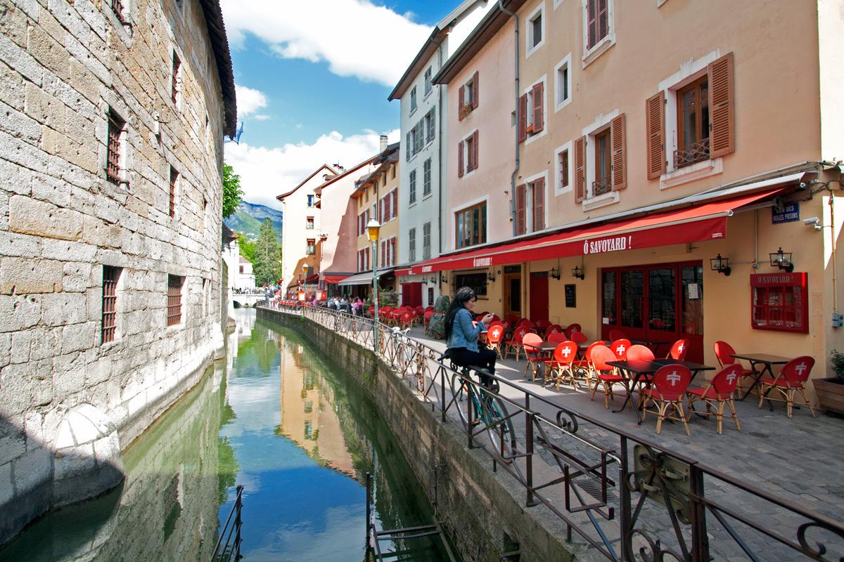Visiter annecy ma venise des alpes blog voyage for Piscine a annecy