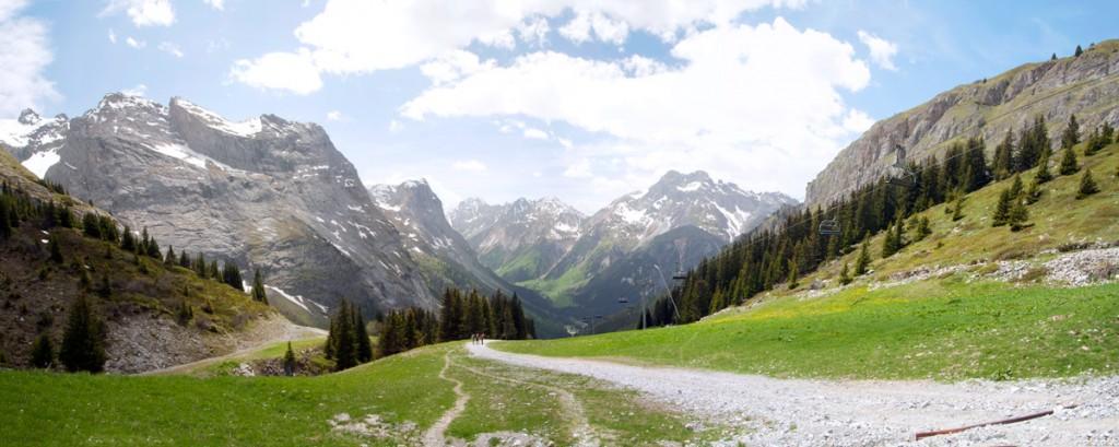 Sentier menant au Refuge Les Barmettes (et le Grand Marchet) au-dessus de Pralognan en Vanoise
