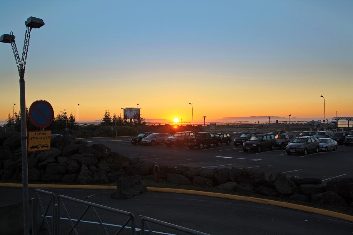 Lever de Soleil sur l'Aéroport de Keflavik, Islande