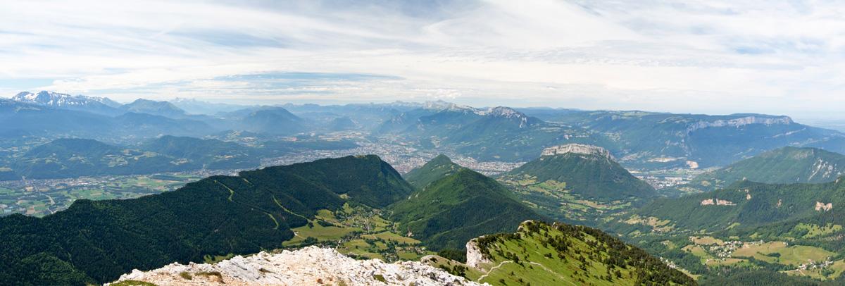 Panorama sur Grenoble et le Vercors, depuis Chamechaude (Massif de la Chartreuse)