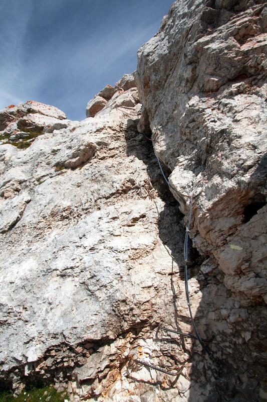 Echelle et cable du passage rocheux, sommet de Chamechaude (Massif de la Chartreuse)
