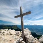 Croix sommitale de Chamechaude (Massif de la Chartreuse)