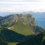 Vue sur la Dent de Crolles, depuis le sommet de Chamechaude (Massif de la Chartreuse)