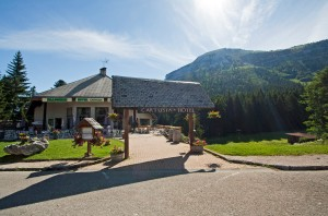 Cartusia Hotel et Chamechaude, départ depuis le Col de Porte (Parc Naturel Régional de Chartreuse)