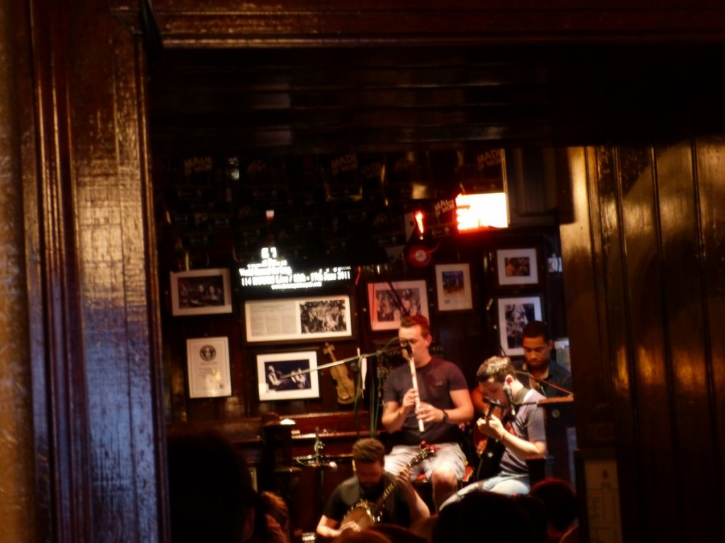 Irish music au Temple Bar Dublin - Blog Voyage Trace Ta Route
