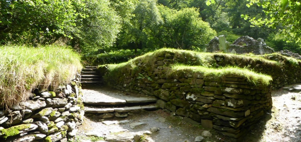 Panorama sur un chemin de Glendalough - Blog Voyage Trace Ta Route