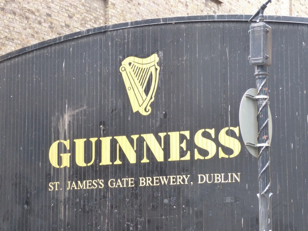 Porte usine Guinness Dublin - Blog Voyage Trace Ta Route