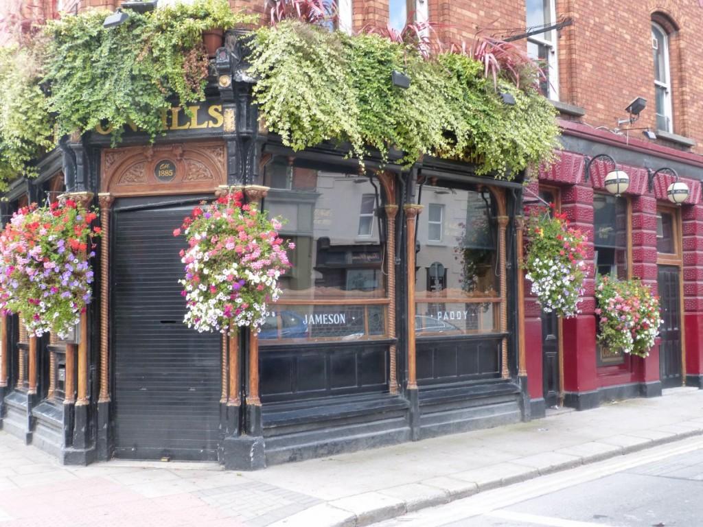 Pub fleuri dans Temple Bar - Blog Voyage Trace Ta Route