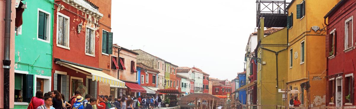 Façades colorées de Burano (lagune de Venise)
