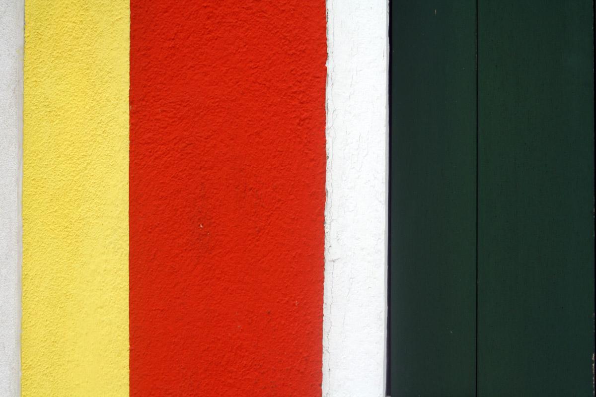 Façade colorée à Burano (lagune de Venise) - édouard photographie © Trace Ta Route