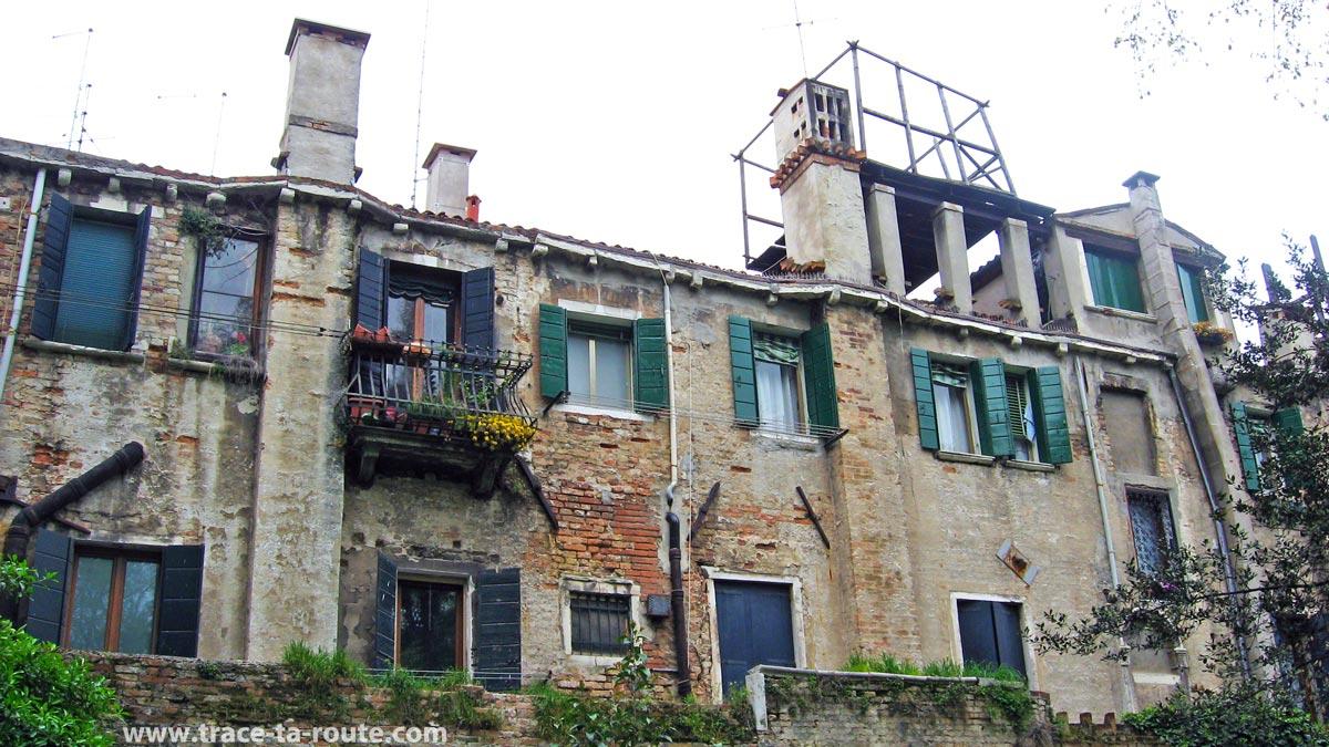 """""""Terrasse vénitienne"""" sur le toit d'un immeuble, Venise"""