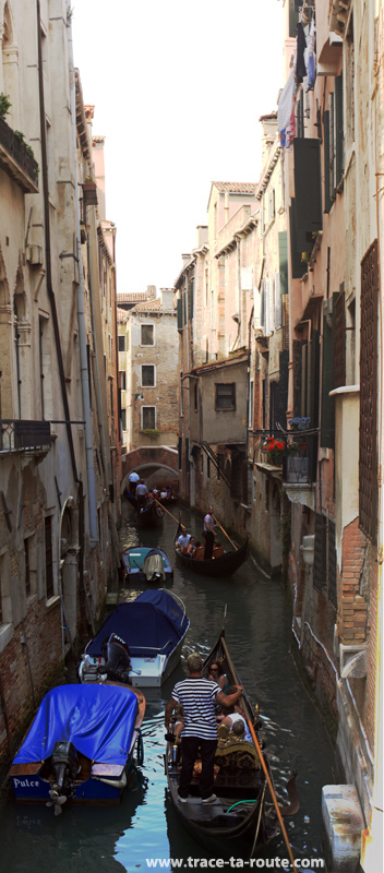 Embouteillage sur les canaux de Venise