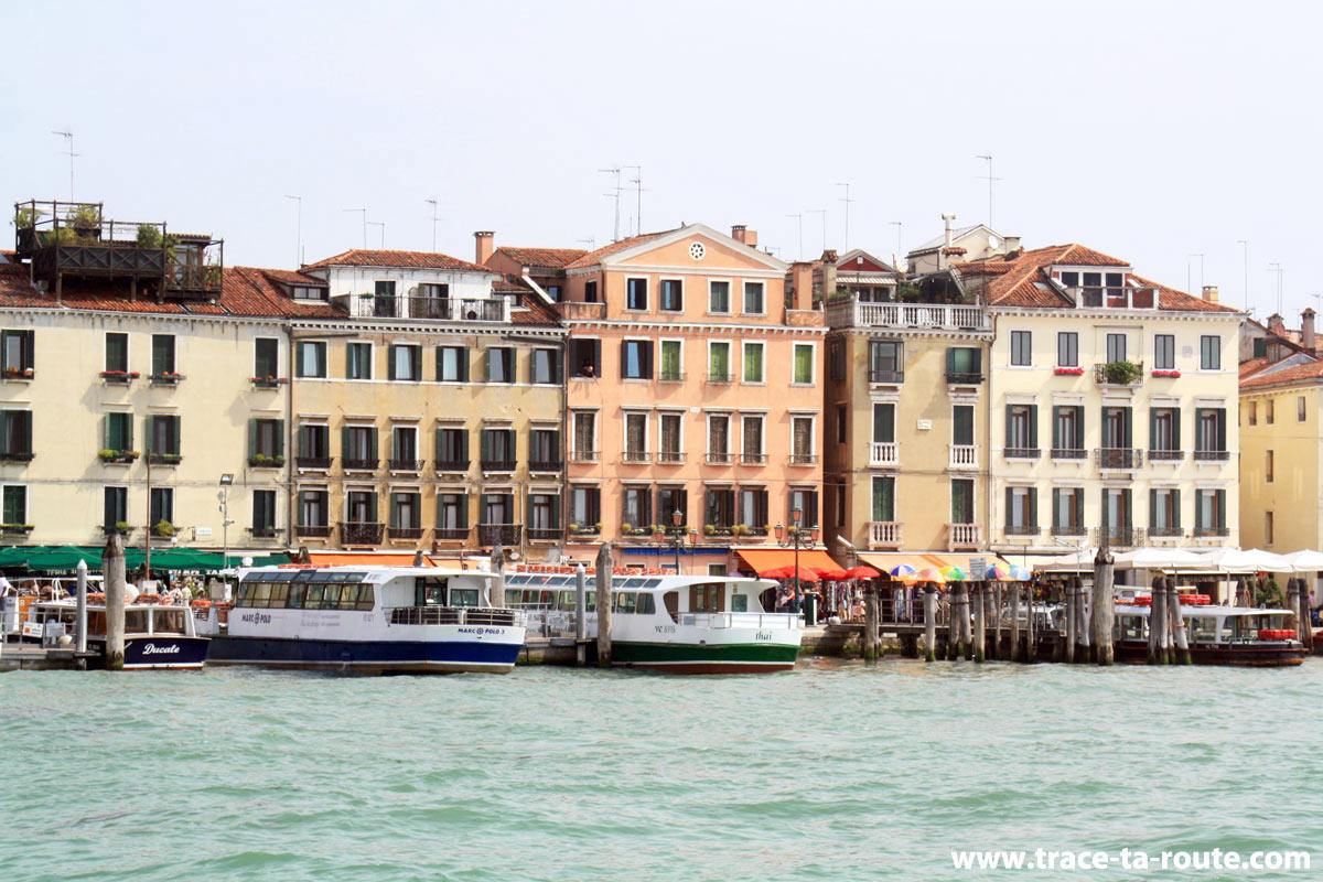 """Riva degli Schiavoni (""""rive des esclavons""""), Venise"""