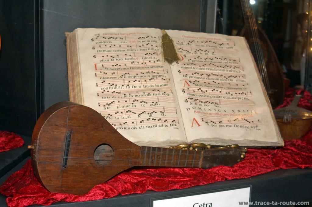 Répertoire et mandoline au Musée de la Musique de Venise