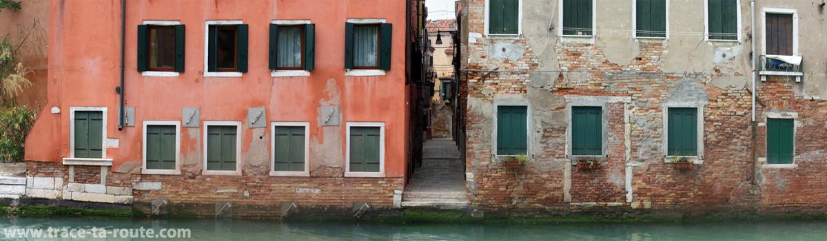 Façades d'habitations à Venise