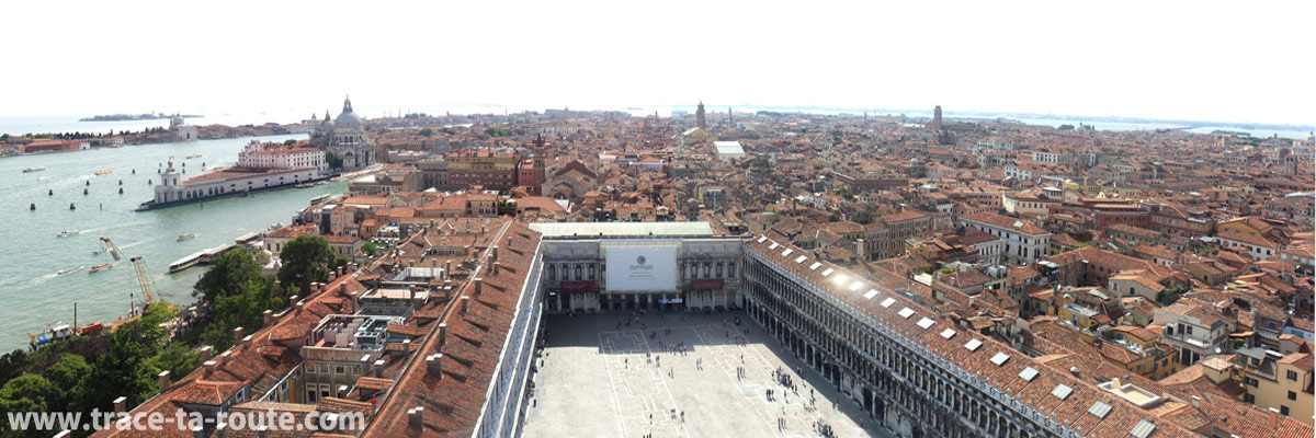 Vue depuis le Campanile Saint Marc : Venise et la place Saint Marc