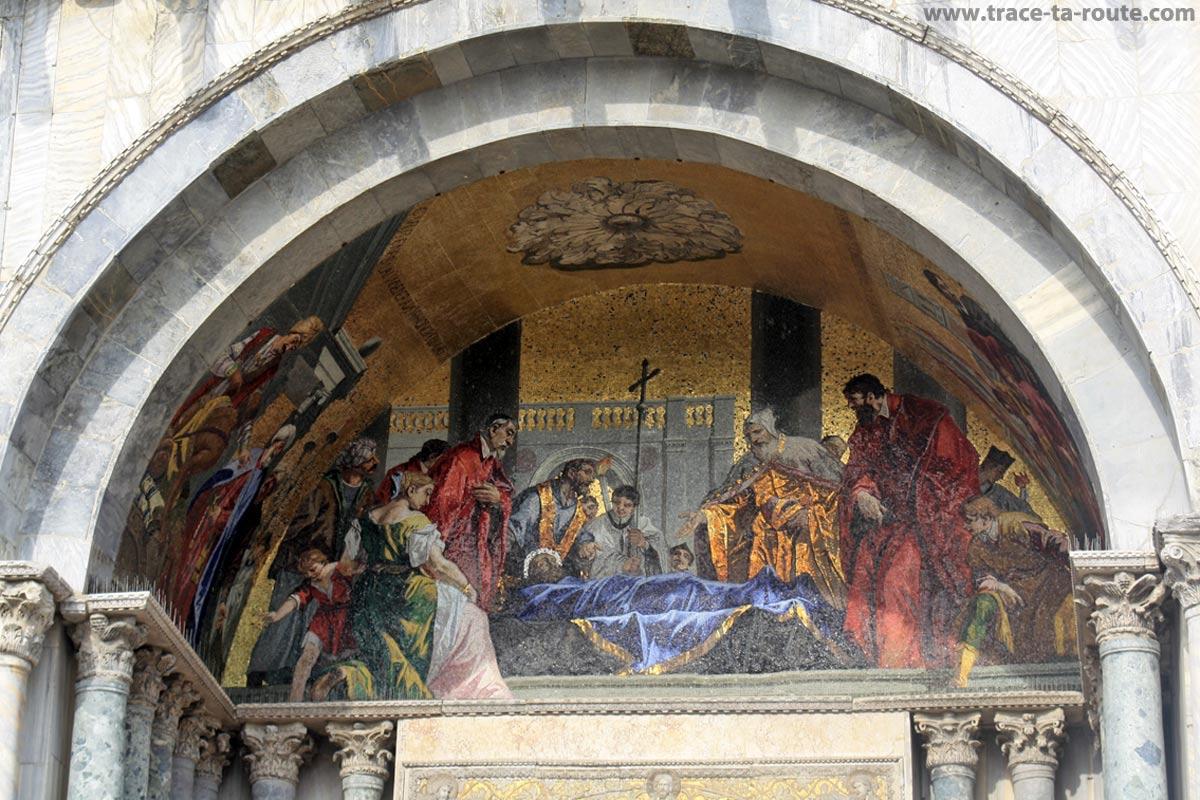 Mosaïque sur la façade de la Basilique Saint Marc, Venise