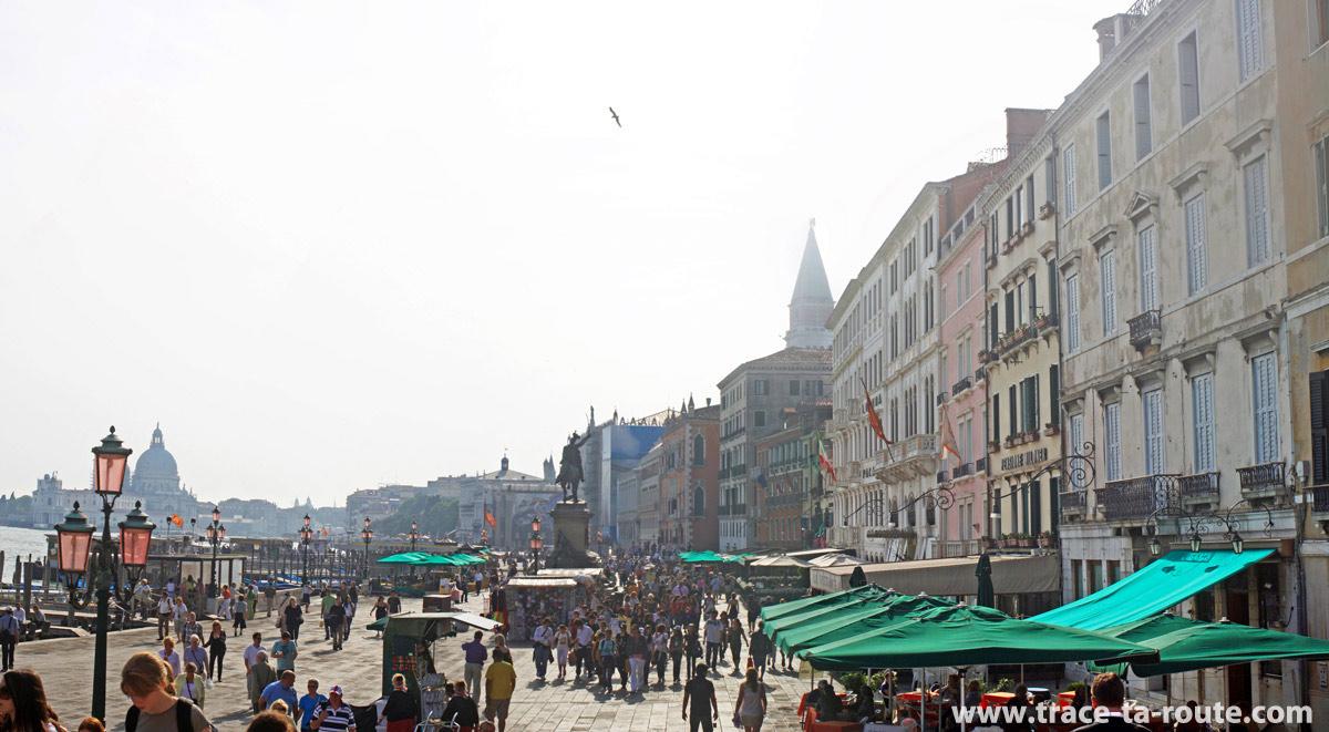 """Riva degli Schiavoni, Venise (""""rive des esclavons"""")"""