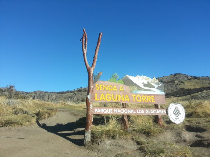 panneau de signalisation départ randonnée laguna torre fitz roy blog voyage