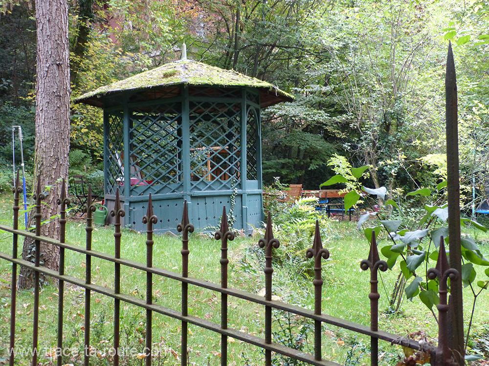 Un jardin à côté de l'universite de Stuttgart - Allemagne Deutschland Germany