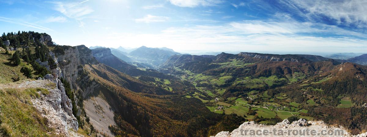 Vue sur le Massif de la Chartreuse depuis le sommet du Granier