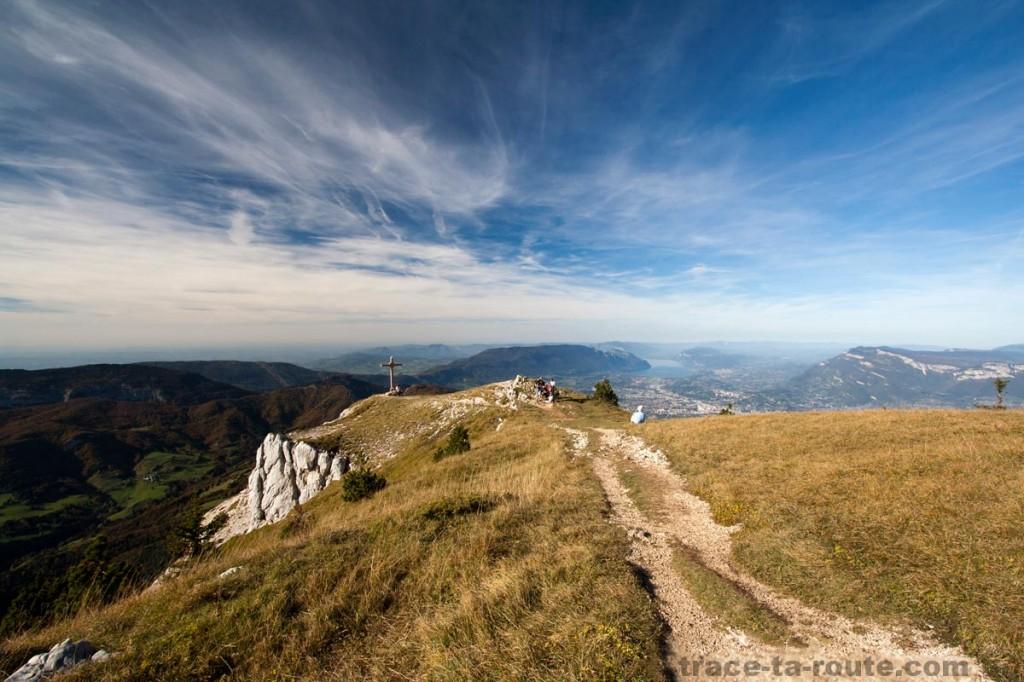La Croix au sommet du Mont Granier (Chartreuse)