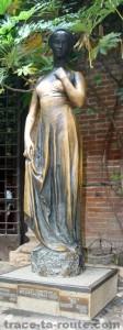 La Statue de JULIETTE à la CASA DI GIULETTA à VÉRONE