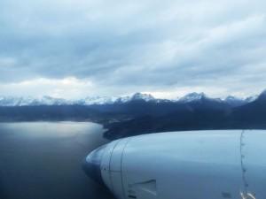 arrivée en avion sur ushuaia en terre de feu blog voyage