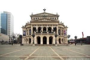 Alte Oper, l'ancien opéra de Francfort - édouard photographie © Trace Ta Route