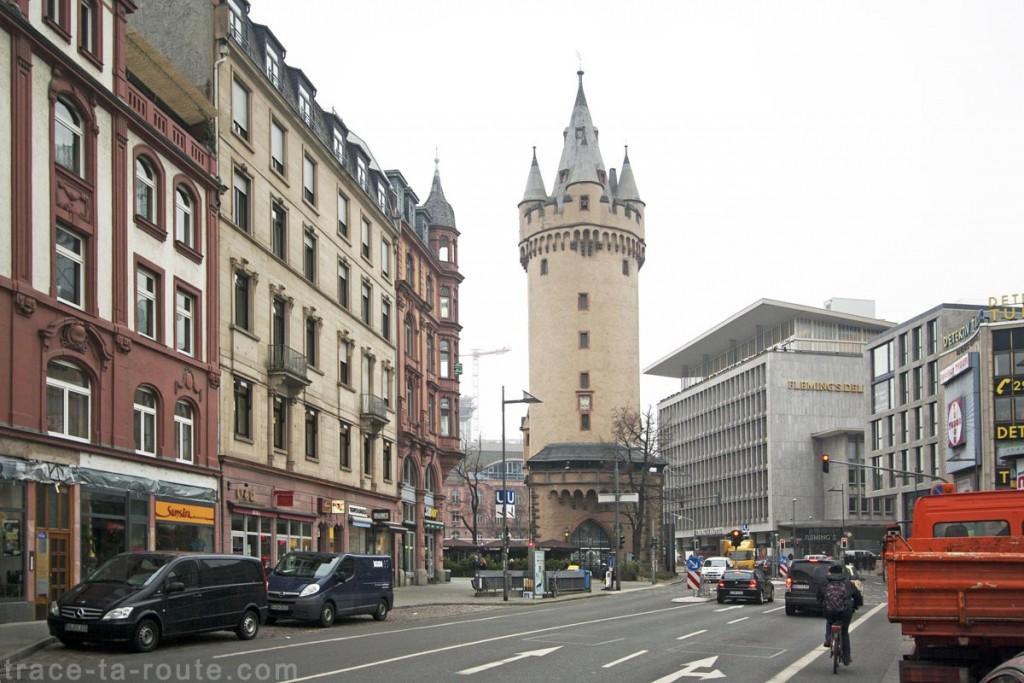 La tour Eschenheimer à Francfort